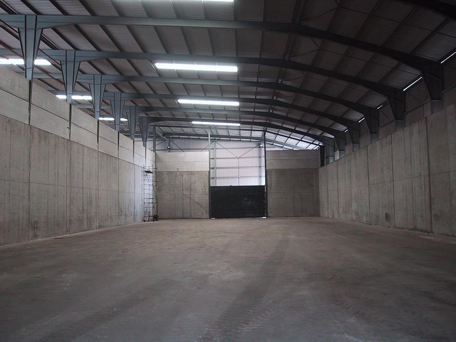 Proyecto de Ejecución para la construcción de Nave Industrial de 4.250 m2, pórticos de 21 m., en la Zona AP-11 del Plan Especial del Puerto de Sevilla.