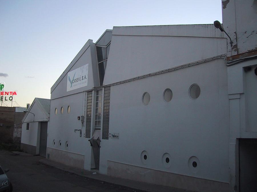 Adecuación de Nave Industrial para centro regional de control de redes informáticas, en el Polígono Store, calle A, de Sevilla para METROLICO, S.A.