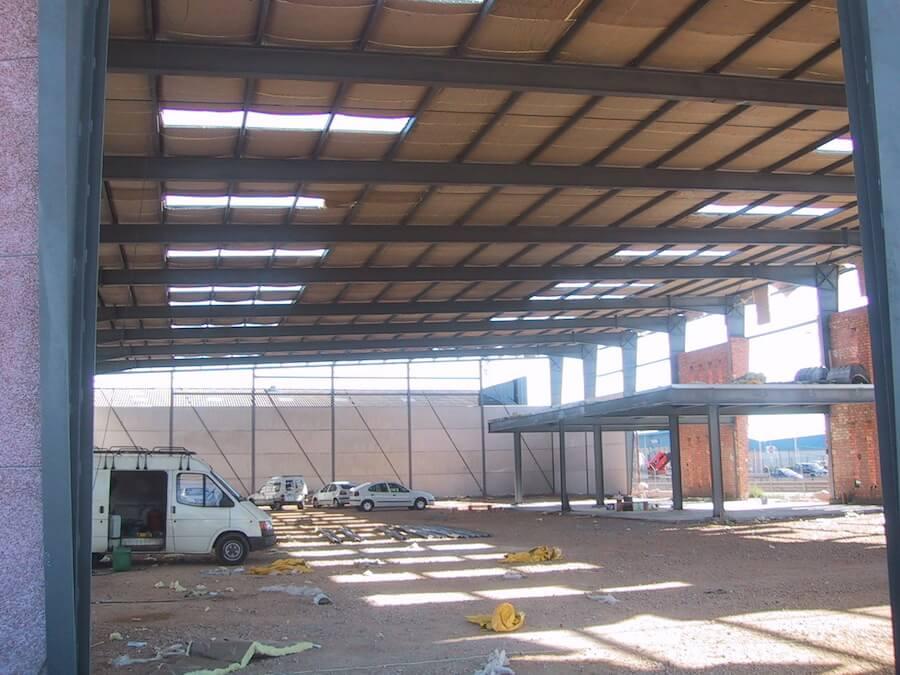 Proyecto de Ejecución de Nave y Oficinas de 2.000 m2 en el Pk 4 de la Autovía A-92 y cruce con la carretera SE-205, en Alcalá de Guadaira, Sevilla.