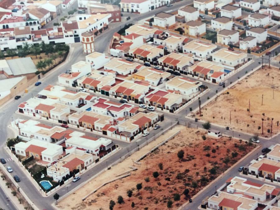 Proyecto Básico y de Ejecución de la 1ª Fase, 50 viviendas unifamiliares pareadas en el Polígono 4, del Plan Parcial La Zahurda, en Albaida del Aljarafe.