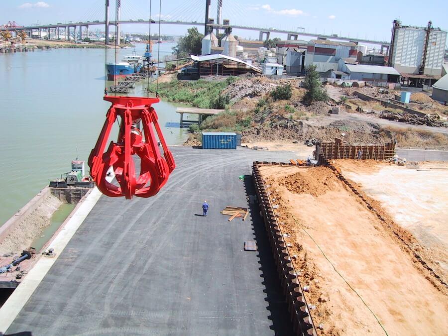 Proyecto de Ejecución de Muelle con 150 m de línea de atraque para buques en la Zona AP-11 del Plan Especial del Puerto de Sevilla, carretera de El Copero